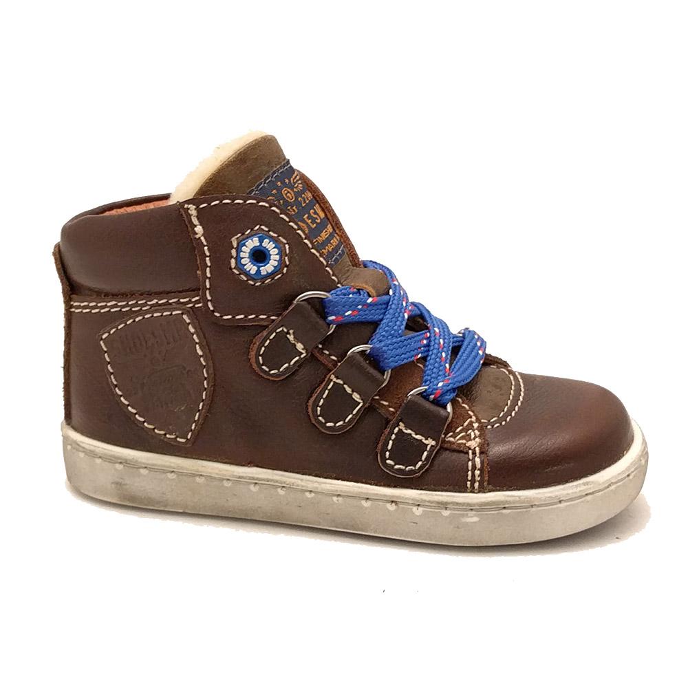 Bruine ShoesMe Veterschoenen