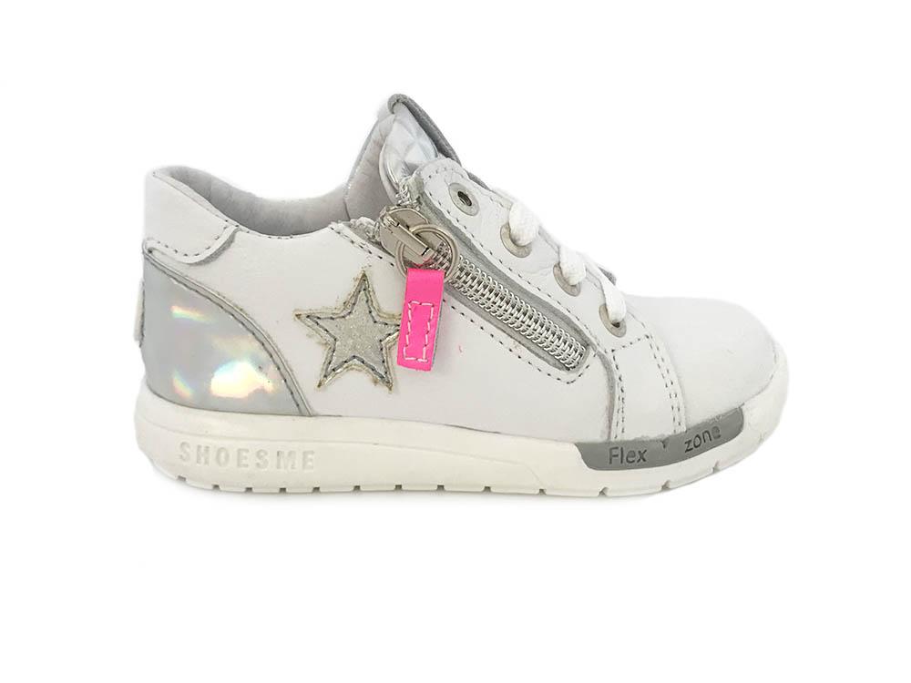 8d4f59eebcc RF8S030-B ShoesMe Witte ShoesMe Sneakers Zilveren Ster