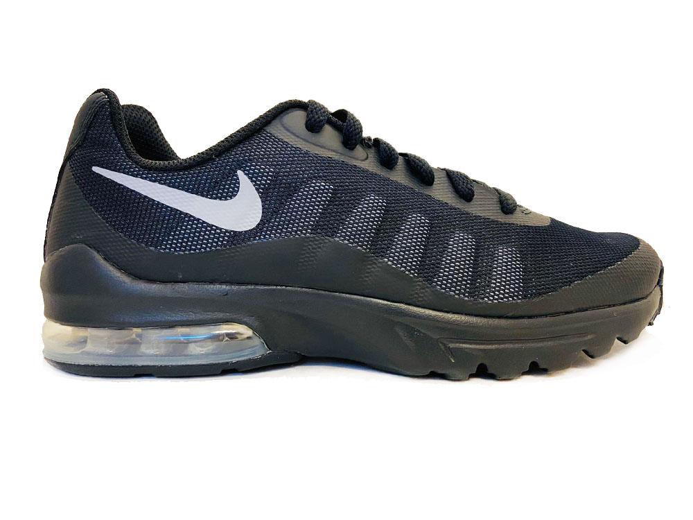Zwarte Nike Sneakers Air Max Invigor Kids om te zoenen